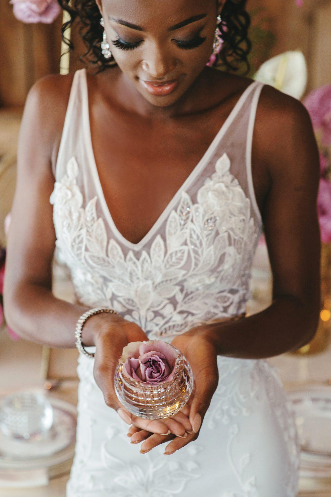 Dress Scoop has been featured in Elegant Wedding Magazine picture 2